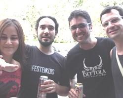 """VZ produz camisetas promocionais para banda """"Bertola e os Noctívagos"""""""